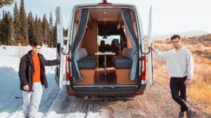 Cestování přespolní život v našem malém domácím van