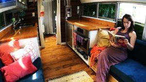 Konverze autobusů Tiny House School - nová prohlídka!