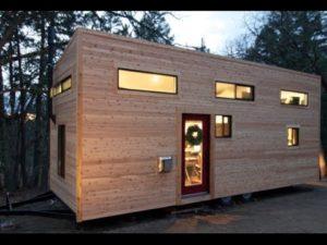 """Pár staví vlastní malý dům na kolech za 4 měsíce za 22 734,06- """"DOMOVSKÝ"""" PLNÝ TOUR"""