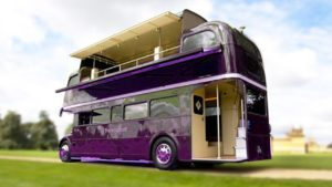 Úžasné školní autobusy proměnily v malé domovy # 1