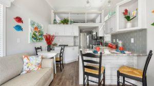 Úžasný krásný model APH 101 Park od Champion Homes | Malý dům velké bydlení