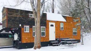 Úžasný malý dům Postaven jako silný a bezpečný - spí až šest