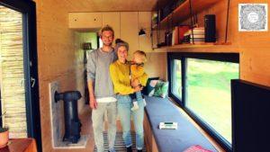 Život v kontejnerovém domě - malý dům je postaven z přepravních kontejnerů