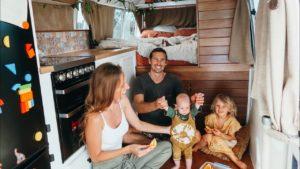 Životní deník autobusu TINY HOUSE (No Couch) + VEGAN Curry