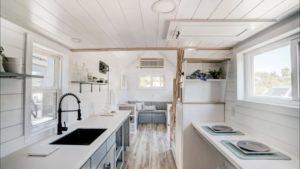 24-Foot Amazing ohromující Ocracoke Tiny House od moderního drobného bydlení | Malý dům velké bydlení