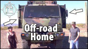 Army Truck TINY HOUSE! Pár převádí vojenské vozidlo