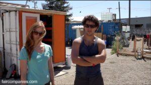 Containertopia: nákladní kontejner malé domovské město na pozemku v Oaklandu