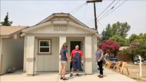 Dokáže malý domek na zahradě vyřešit potřebu bydlení CA?