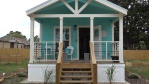 Domy Springfield Tiny Homes ukončují bezdomovectví pomocí opuštěných mobilních domů