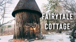 FAIRYTALE COTTAGE AIRBNB TOUR! | Rozmarný malý dům