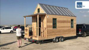 """Hammer Houses ve společnosti Tchibo: Carpenter produkuje """"Tiny Houses"""""""