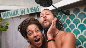 Jak se sprchujeme v autobuse // Malá domovní sprcha