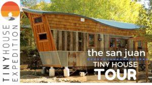 Kreativní pár staví úžasný malý dům s regenerovanými materiály