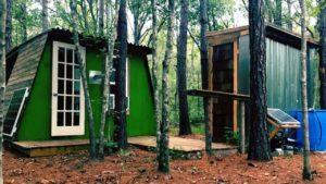 Můj malý dům 3 000 $ v lese