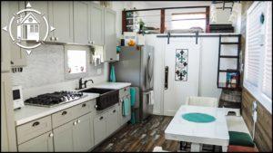 Nádherný TINY HOUSE pomáhá rodině začít znovu po ztrátě zaměstnání