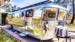 Nádherný krásný FULLY solárně poháněný drobný dům na prodej