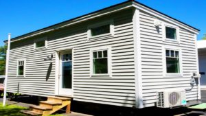 Nejkrásnější 26 nohou malý dům na kolech na prodej v Webster, Massachusetts