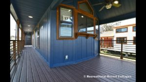 Neuvěřitelný malý domov se třemi verandami