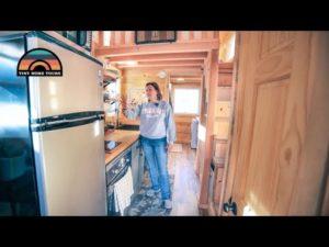 OTEVŘELA FIREMNÍ AMERIKU PRO Drobný dům ve venkovském Coloradu