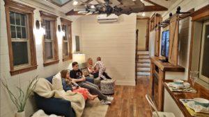 Oběti požáru Sonoma staví nádherný malý dům