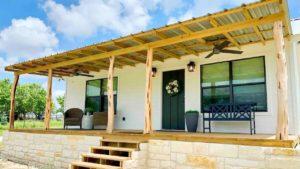 Ohromující krásná celá chata pořádaná křesťanem | Krásný malý dům