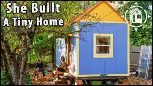 Postavila malý dům a našla finanční svobodu a komunitu