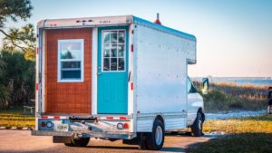 Prohlídka naší malé obytné karavany (Převod skříňového kamionu