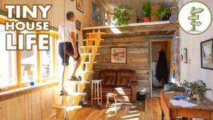 Prohlídka prostorného otevřeného konceptu Drobný dům zaparkovaný v legální komunitě