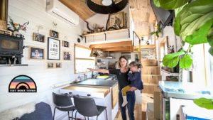 Rodina tří životů drobných trávit více času společně - nádherná malá domácí prohlídka
