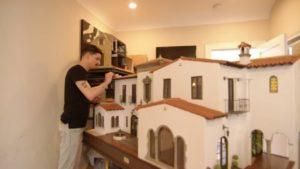 Tiny Home Builds ve španělském stylu s Chrisem Toledem | Showcase Series