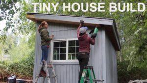 Tiny House Build: Zastřešení, elektroinstalace, izolace a sádrokarton s dubnem Wilkersonem
