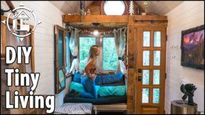 Tiny House DIY: Snadné řešení ložnice v přízemí! 🏡🙌