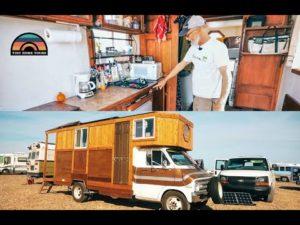 Vlastní kutilství Drobný dům Box Truck postavený z recyklovaných materiálů domácí renovace