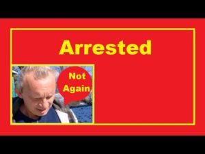 Zatčen za vodu z mřížky žijící v malém domě