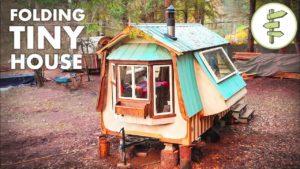 Úžasné SKLÁDÁNÍ Malý dům postavený z regenerovaných materiálů - úplná prohlídka