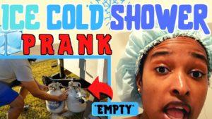 Ice Cold Shower PRANK on Wife! (SHE SNAPPED !!) V malém domě žádný propan = žádná horká voda!
