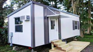 Nádherný moderní, čistý a pohodlný malý dům na prodej v Leesburgu na Floridě   Nádherný malý dům