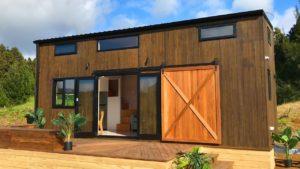 Naprosto úžasná Pohutukawa Show Home pro lepší život s malými staviteli domů