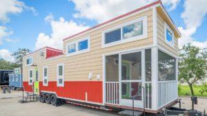 Největší malé domy Elmore pohyblivými kořeny