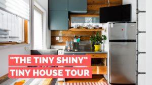 """Prohlídka """"Tiny Shiny"""" Tiny House!   Východní Austin Backyard Tiny Home"""