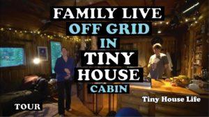 Rodina žije z mřížky v malé chatě v aljašské divočině - prohlídka