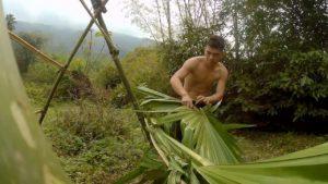 malý stan u zasněného potoka - jeden malý dům snů jednoho muže, kterého musíte vidět[Survival In Nature]
