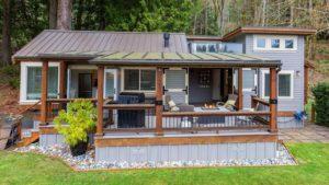 Úžasná krásná vlastní chata na prodej od WildWood Lakefront Cottages | Malý dům velké bydlení