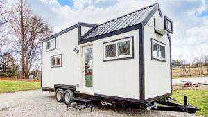 Naprosto nádherný Domino drobný dům, moderním drobným životem Krásný malý dům