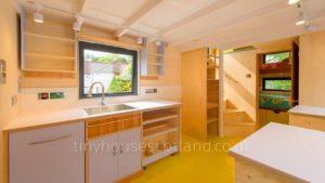 NestPod Tiny House on Wheels od Tiny House Scotland | Životní Design Pro Malý Dům