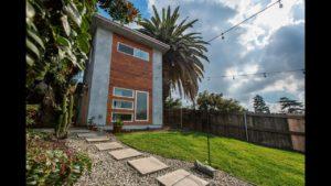 Pohled dovnitř mého domovského domu Los Angeles Tiny Home VLOG # 1