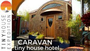 Prohlídka hotelu Caravan Tiny House - zde se izolujte!