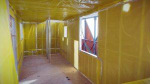 Robiny práce pro stavbu malých domků - Ep 7 - Izolace stříkacím peřím - Parotěsná zábrana a elektrické zapojení
