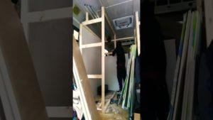 Rozpočet přátelský. Malý domov New York vanlife autobusová přestavba stavět koupelnu + sprchu