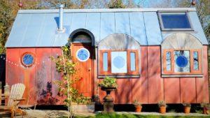 Rustikální krásná hvězdárna na Friedě a Měsíci   Za poznáním malého domu